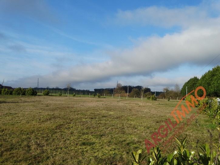 Photo terrain en vente sur le secteur de le breil sur merize
